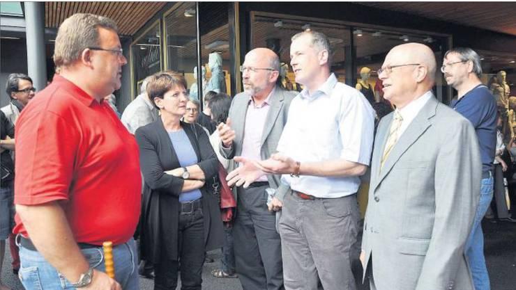 Auf der Suche nach Erklärungen: Badener und Neuenhofer Stadt- und Gemeinderäte am 13. Juni 2010.