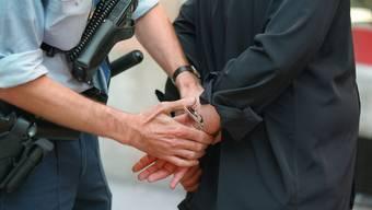 Verhaftung eines Drogendealers in Zürich (Symbolbild)