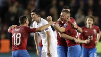Die tschechischen Spieler jubeln nach ihrem wertvollen Heimsieg gegen England