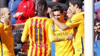 In Levante zum fünften Mal in Serie siegreich: die Spieler des FC Barcelona