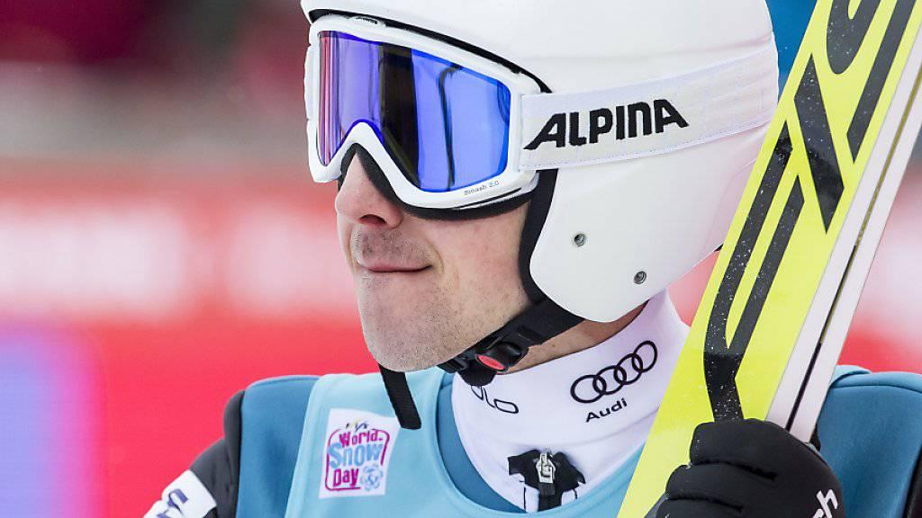 Daumen hoch: Simon Ammann will an der Vierschanzentournee einen weiteren Schritt nach vorne machen