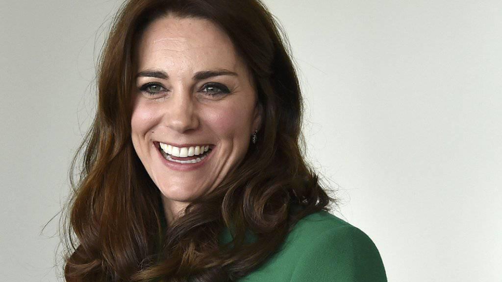 Glück gehabt: Das selbstgemachte Chutney, das Herzogin Kate der Queen 2011 zu Weihnachten schenkte, schien geschmeckt zu haben (Archiv).