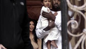Familie Kardashian-West auf dem Weg zur Taufe