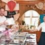 Beim Restaurant Zur Lotus in Oensingen gab es schon immer Take-away, sagt Gastgeber Chork Chhit (ganz rechts).