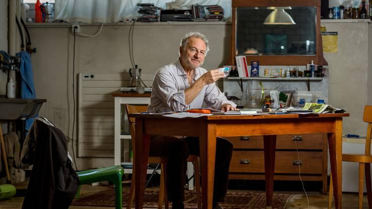 Filmer Eric Bergkraut ist jetzt auch Autor. Fotografiert am 3. September 2019 in seinem Atelier in Zürich Binz. (Bild:Sandra Ardizzone)