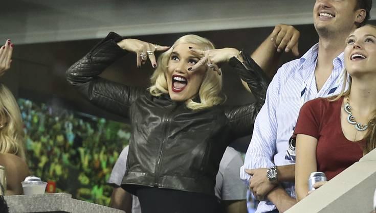 Feuerte ihren guten Freund kräftig an: Sängerin Gwen Stefani.