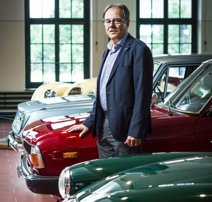 Thomas Valko, Geschäftsführer Emil Frey Classics, inmitten der Sammlung. Chris Iseli