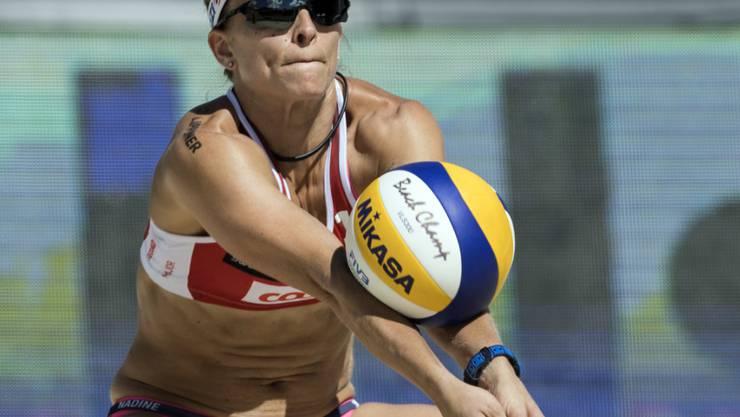 Die Schweizer Beachvolleyballerinnen - im Bild Nadine Zumkehr - haben ihre Auftaktspiele am World-Tour-Event in Gstaad verloren
