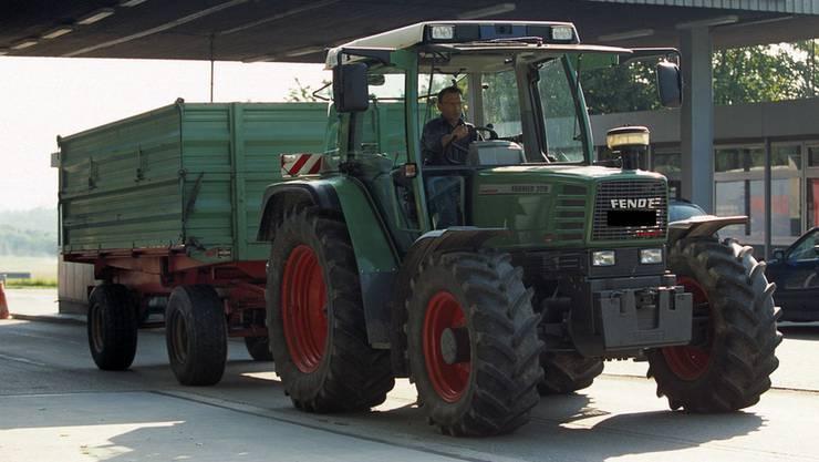 Traktor Auf Autobahn