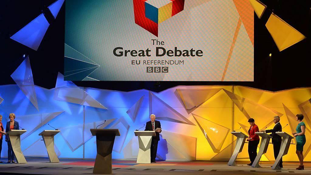 Showdown in der Wembley-Arena: Gegner (rechts) und Befürworter eines Brexit bei der letzten TV-Debatte vor dem Referendum.