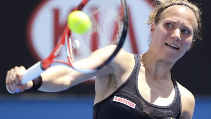 Viktorija Golubic schlägt eine Rückhand