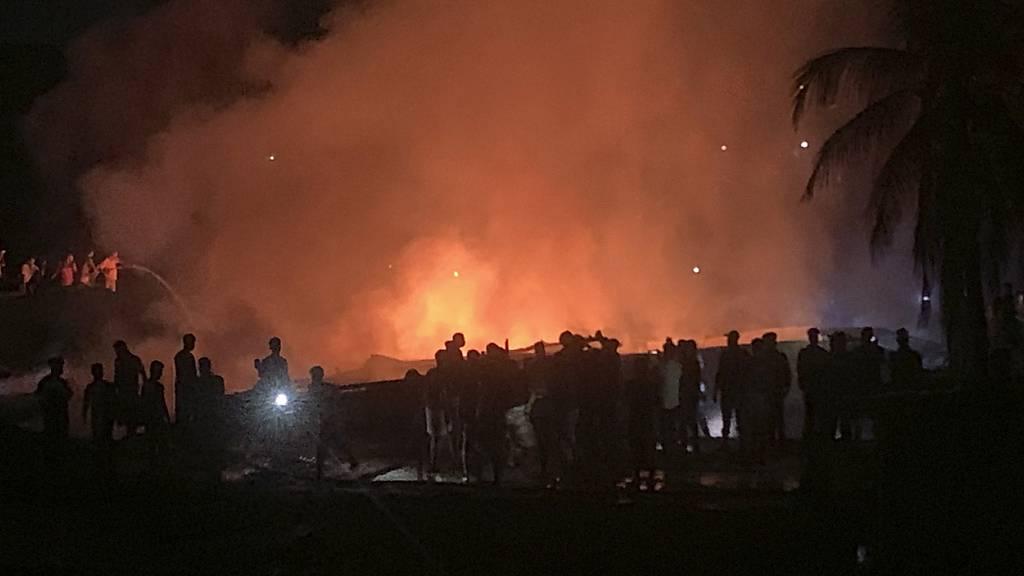 Feuer neben Flüchtlingslager – drei Rohingya-Angehörige tot