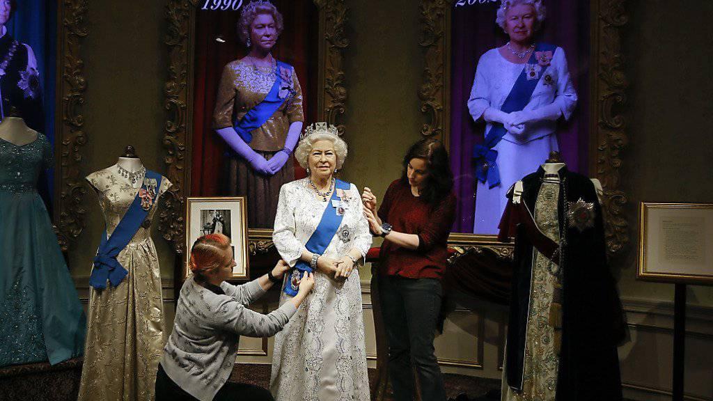 Madame Tussauds spendiert Königin Elizabeth II. ein neues Outfit