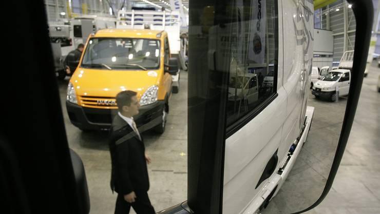 Lieferwagen mit Anhänger: Nicht immer sind sie in der Schweiz über alle Zweifel erhaben.
