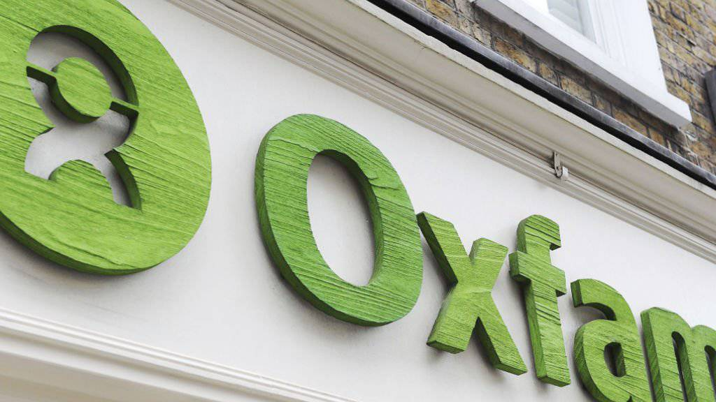 Oxfam-Mitarbeitende haben in Einsatzländern Sex-Orgien mit Prostituierten gefeiert. Nun stellt die britische Regierung die Zusammenarbeit mit der Hilfsorganisation in Frage.