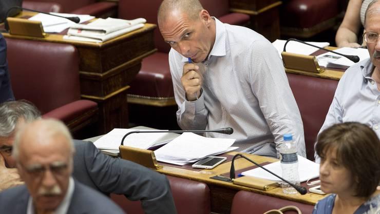 Als er noch nicht Wirtschaftsminister war, habe er den Auftrag gefasst, die Rückkehr zur Drachme vorzubereiten, sagte Varoufakis.