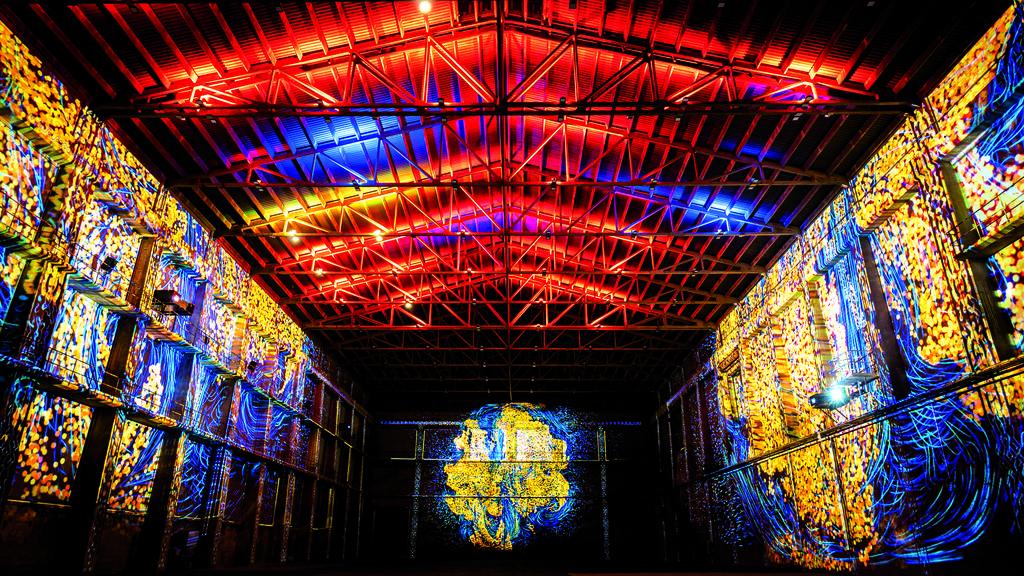 Beeindruckende Lichtshow im Attisholz-Areal