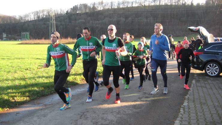 Start der Velo-Clubläufer beim ersten Lauf durch den Hardwald.