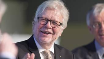 Norbert Neininger, Verleger und Chefredaktor der Schaffhauser Nachrichten, ist am Samstagmorgen nach kurzer Krankheit verstorben. Bis zu seinem Tod war er eine schillernde Figur der Schweizer Medienlandschaft. Hier äusserte er sich an einer Podiumsdiskussion an der Dreikönigstagung vom Januar 2015