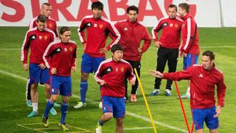 Die Spieler des FC Basel beim Abschlusstraining im Stadion von Videoton.