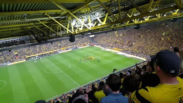 Die Aargauer BVB-Fans im Signal Iduna Park in Dortmund.