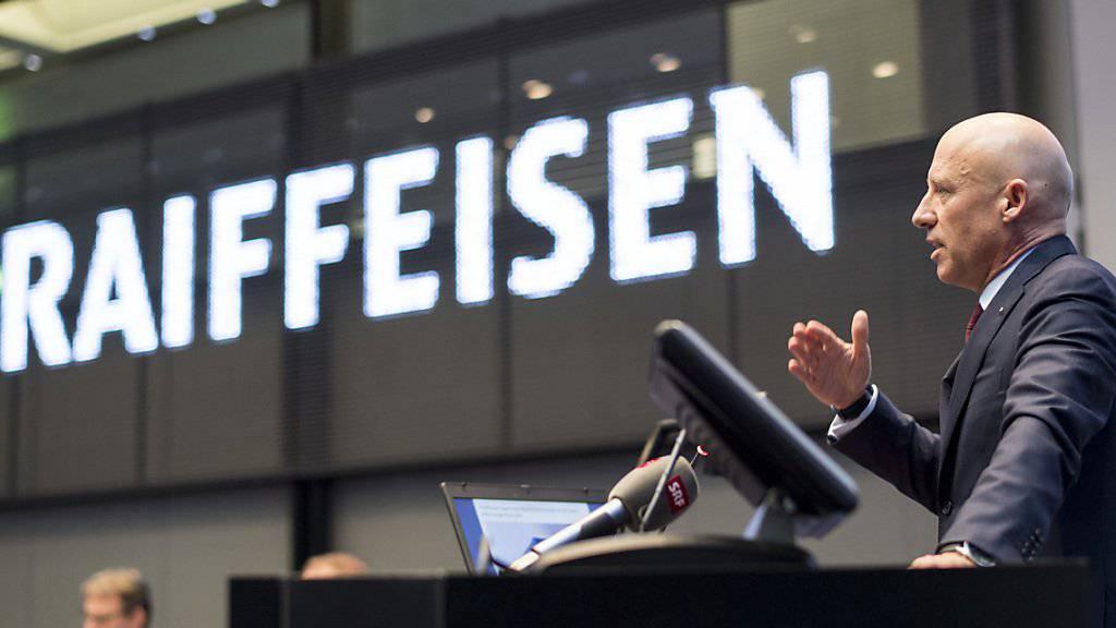 """Raiffeisen-Chef Patrik Gisel kann sich nach eigenen Angaben über einen """"rekordhohen Semesterausweis"""" seiner Bankengruppe freuen. (Archiv)"""