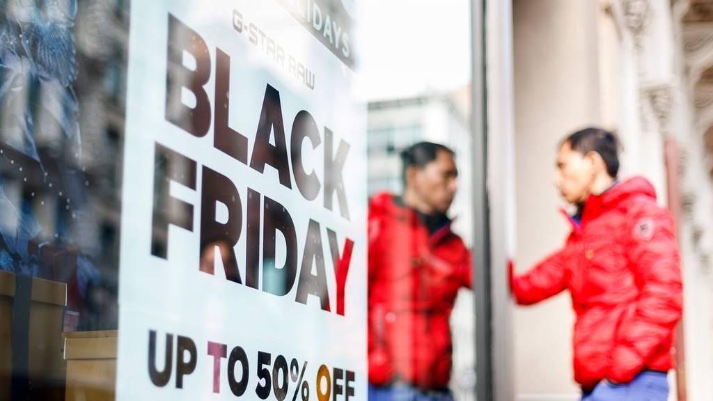 So rüsten sich Shopping-Center und Online-Händler für die Rabattschlacht