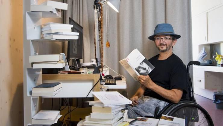 """Philippe Rahmy erzählt in seinem Roman """"Die Panzerung"""" mit sprühender Intensität und zugleich leiser Intimität von einer Reise nach China. (KEYSTONE/Jean-Christophe Bott)"""