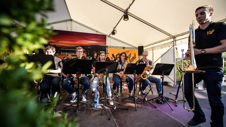 Open Air Konzert der Summer Big Band in Grenchen Flugplatz