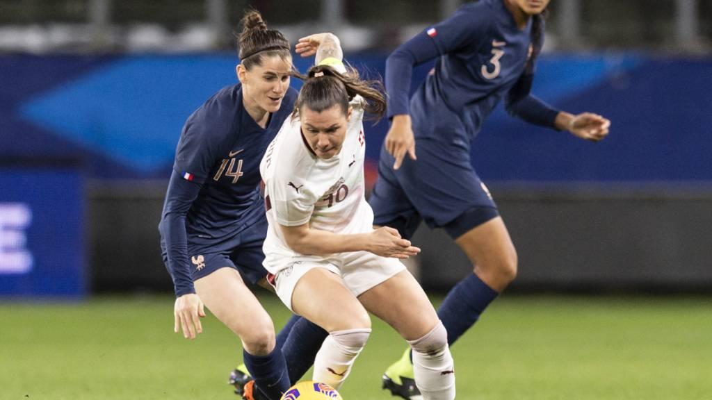Die Schweizer Offensive um Captain Ramona Bachmann tat sich im ersten von zwei Testspielen gegen Frankreich schwer