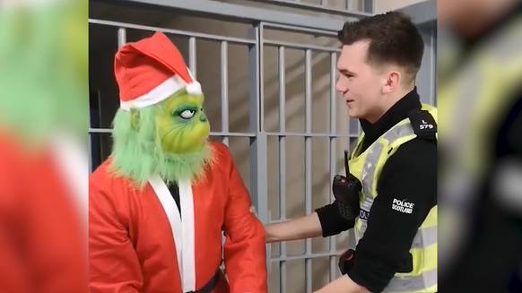 So witzig warnt die Polizei vor Festtagsfallen: die fünf besten Videos