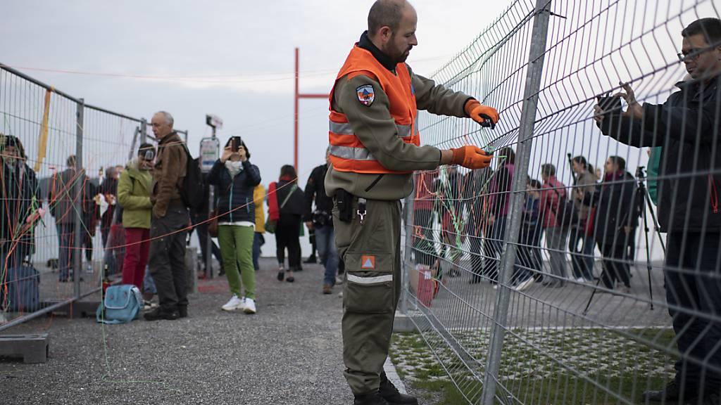 Der doppelte Grenzzaun zwischen Kreuzlingen TG und Konstanz in Deutschland wird abgebaut.