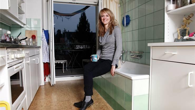 «Dass bei uns in der Küche gebadet wird, ist absolut kein Problem», sagt Seraina Rohrer.siggi bucher