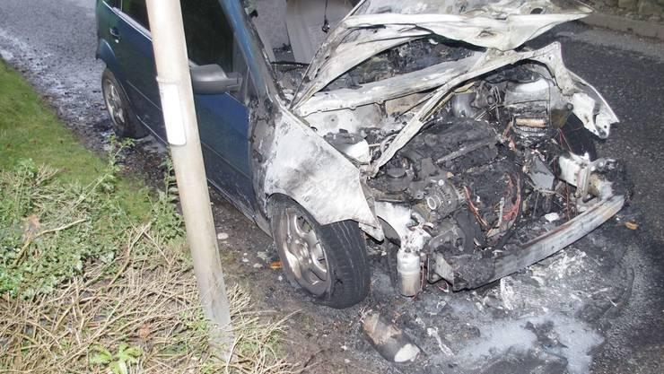 Die aktuellste Sachbeschädigung: Der Italiener zündete am Donnerstag diesen Ford Fiesta an.