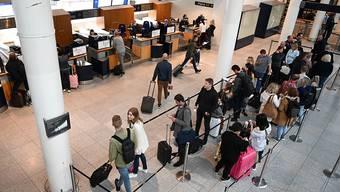 Billigst-Flugtickets sind nach Ansicht des Lufthansa-Präsidenten ökonomisch und ökologisch unverantwortlich. (Archivbild)