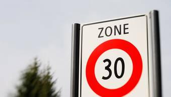 Konzeptvorschlag: Rümikon besschäftigt sich mit der Einführung einer Tempo-30-Zone. (Bild: Andreas Frossard)