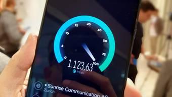 Download mit über 1000 Mbit/Sekunde: Das Huawei Mate 20 X gehört zu den ersten 5G-Handys in der Schweiz.