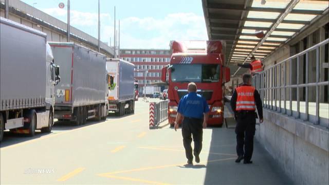 Zu teuer: Schweizer LKW-Fahrer auf Abstellgleis