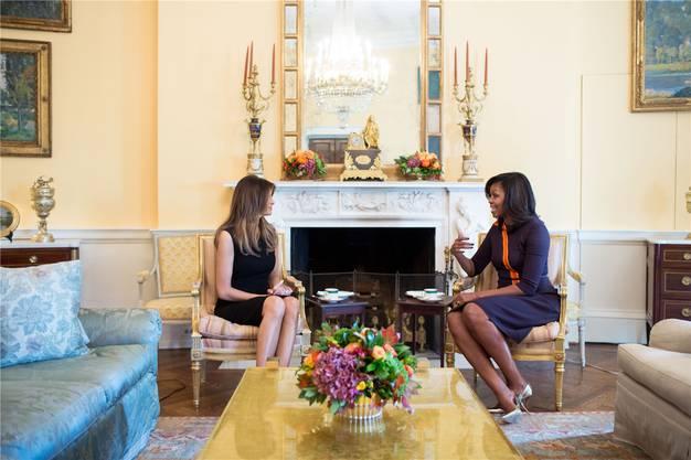 November 2016: Michelle Obama lud ihre designierte Nachfolgerin Melania Trump zu Tee und Guetzli ins Weisse Haus in Washington ein.