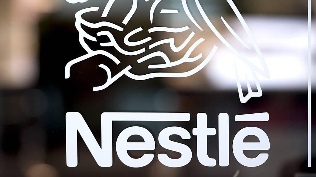 Unter den Top-50 der markenstärksten Schweizer Konzerne bleibt Nestlé mit Abstand die Nummer 1.(Archivbild)
