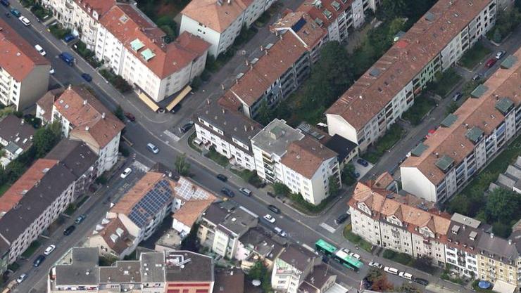 An der Hegenheimerstrasse wurde eine betagte Frau überfallen. Der Täter muss für drei Jahre ins Gefängnis. (Symbolbild)