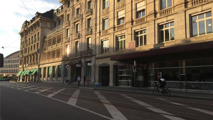Am ehemaligen BIZ-Gebäude gegenüber dem Bahnhof SBB erinnert nichts an die dramatischen Ereignisse vom Sommer 1945.