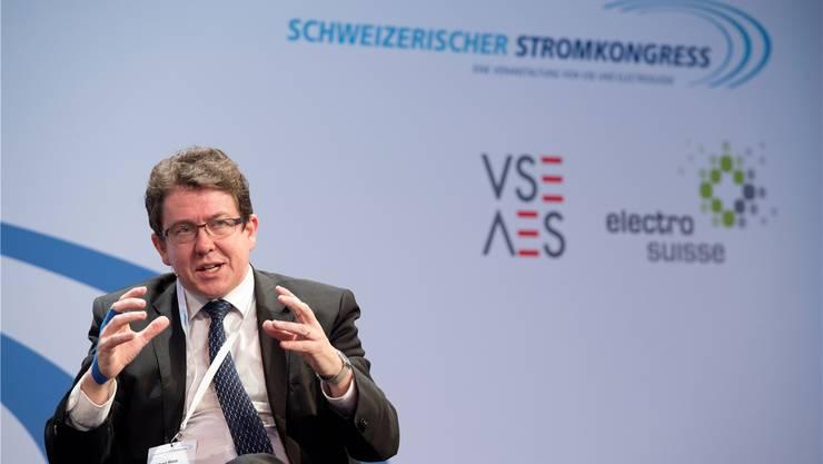 Als SVP-Präsident kämpft Albert Rösti gegen die Energiestrategie. Der Wasserwirtschaftsverband ist dafür. Keystone