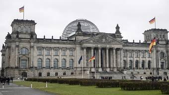 Die SPD und die Unionsparteien haben in der deutschen Wählergunst leicht zugelegt. (Archivbild)
