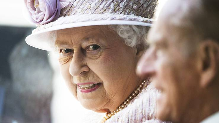 Am 9. September überholt Queen Elizabeth II. ihre Ururgrossmutter Victoria als die am längsten regierende Monarchin Grossbritanniens. Über 63 Jahre wird sie dann auf dem Thron gewesen sein. Zum Anlass wird eine Gedenkmünze geprägt. (Archivbild)