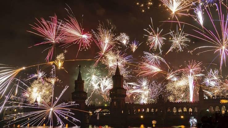 In einem normalen Jahr würden fast überall auf der Welt Feuerwerke gezündet. Im Coronajahr wird Silvester jedoch nur an wenigen Orten bunt.