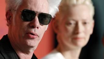 """US-Regisseur Jim Jarmusch (links) und Schauspielerin Tilda Swinton an den 72. Filmfestspielen in Cannes: Mit seiner Zombie-Komödie """"The Dead Don't Die"""" zielt Jarmusch auf die USA der Gegenwart."""