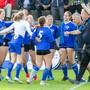 Die Neuendörferinnen feiern den 3:2-Sieg gegen Kreuzlingen und den Einzug in den Final der NLA.