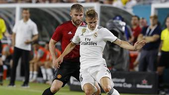 Ein bislang eher seltenes Bild: Martin Ödegaard im Einsatz für die 1. Mannschaft von Real Madrid