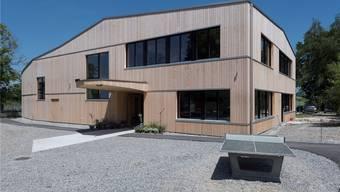 Der Neubau der Rudolf-Steiner-Schule: Aussen Holz, innen Sichtbeton. Alex Spichale